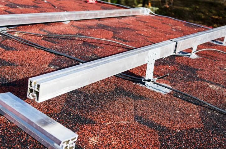 Using Guardrail Systems for Fall Protection on Roof Tops