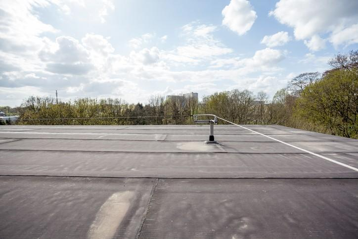 Portable Guardrail Systems for Fall Protection: Choosing the Right System
